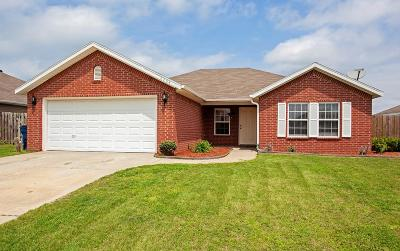 Bentonville Single Family Home For Sale: 6204 SW High Meadow
