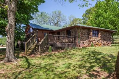 Prairie Grove Single Family Home For Sale: 12799 Greasy Valley Rd