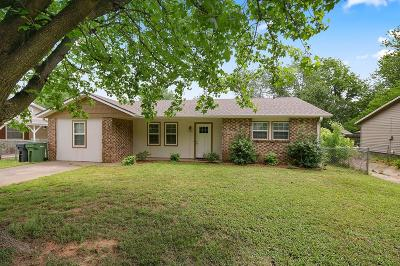 Rogers Single Family Home For Sale: 909 N 30th St