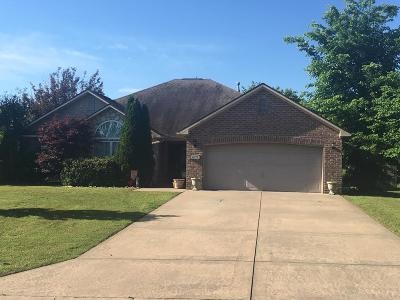 Siloam Springs Single Family Home For Sale: 22575 Meadow