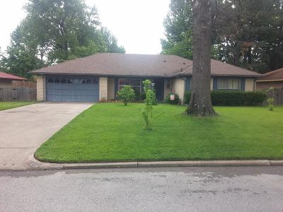 Springdale AR Single Family Home For Sale: $174,900