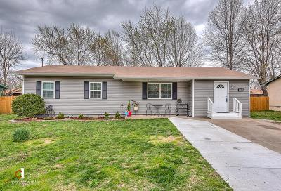Bentonville Single Family Home For Sale: 2303 Beth Lane