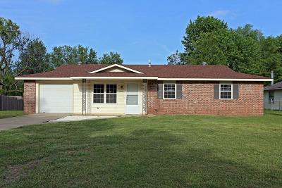 Springdale AR Single Family Home For Sale: $179,000