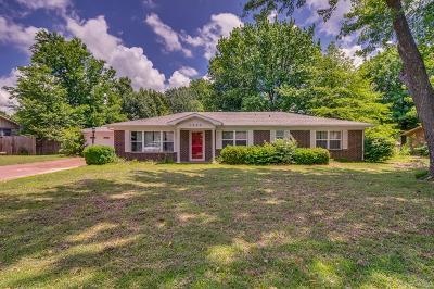 Bentonville Single Family Home For Sale: 1305 Convair Street
