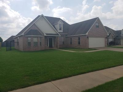 Centerton Single Family Home For Sale: 1005 Tarah Knolls Circle