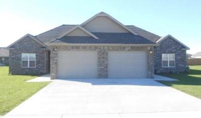 Centerton Multi Family Home For Sale: 1240/1242 Marigold Ave