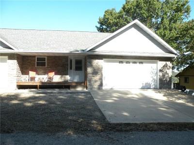 Condo/Townhouse For Sale: 9 Oak Point DR