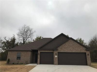Pea Ridge Single Family Home For Sale: 556 Hayes