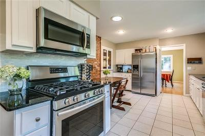 Rogers Single Family Home For Sale: 909 E Lakeview DR