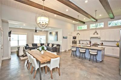 Bentonville Single Family Home For Sale: 404 SE D ST