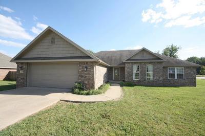 Pea Ridge Single Family Home For Sale: 585 Nelson CT