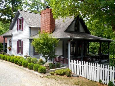 Eureka Springs Single Family Home For Sale: 2 Kansas ST