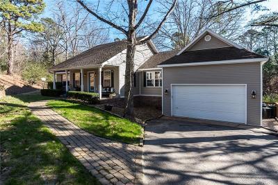 Rogers Single Family Home For Sale: 8444 N Pine Ridge LN