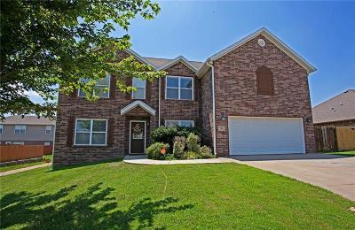 Centerton Single Family Home For Sale: 701 Paint LN