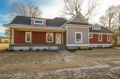Rogers Single Family Home For Sale: 210 W Cherry ST