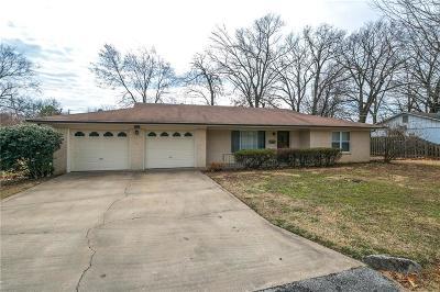 Bentonville Single Family Home For Sale: 805 Carson DR