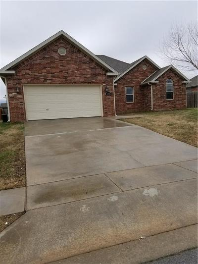 Rogers Single Family Home For Sale: 3304 2nd PL