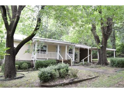 Fayetteville Single Family Home For Sale: 332 E Meadow ST
