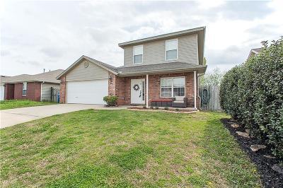 Bentonville Single Family Home For Sale: 1205 Apache DR
