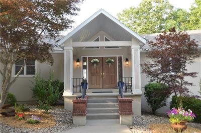 Rogers Single Family Home For Sale: 8023 Old White River RD