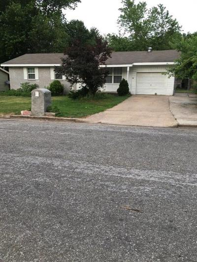 Rogers Single Family Home For Sale: 713 N 12th PL
