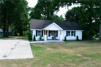 Benton County Single Family Home For Sale: 3095 Wagon Wheel RD