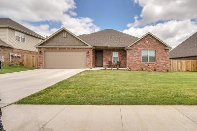 Centerton Single Family Home For Sale: 740 Saddlehorn DR