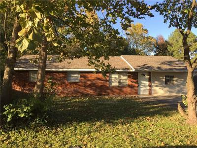 Bentonville Single Family Home For Sale: 105 13th ST
