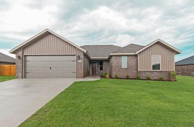Prairie Grove Single Family Home For Sale: 1661 Whirlaway LN