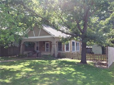 Siloam Springs Single Family Home For Sale: 402 Wright ST