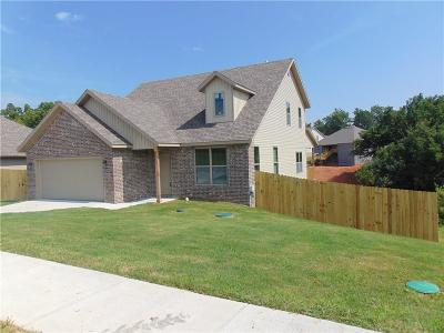 Cave Springs Single Family Home For Sale: 1002 Glass ST