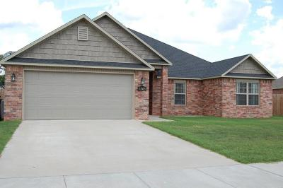 Rogers Single Family Home For Sale: 1305 W Walker DR