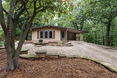 Bella Vista AR Single Family Home For Sale: $127,500