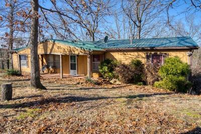 Eureka Springs Single Family Home For Sale: 110 County Road 2064