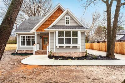 Fayetteville Single Family Home For Sale: 836 S Wood AVE