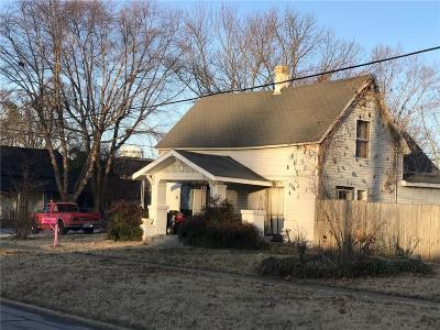 Bentonville Single Family Home For Sale: 301 SW E ST