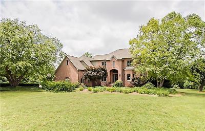 Fayetteville Single Family Home For Sale: 2061 N Bridgeton CT