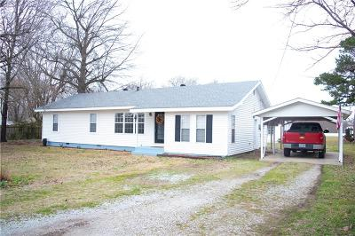 Farmington Single Family Home For Sale: 56 Old Depot RD
