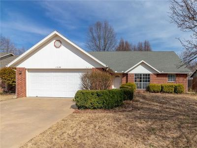 Rogers AR Single Family Home For Sale: $173,298