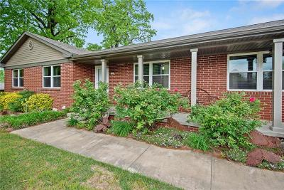Prairie Grove Single Family Home For Sale: 334 Eastwood ST
