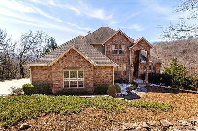 Fayetteville Single Family Home For Sale: 2573 Fox TR