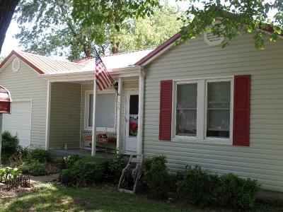 Siloam Springs Single Family Home For Sale: 306 S Oak Hill ST