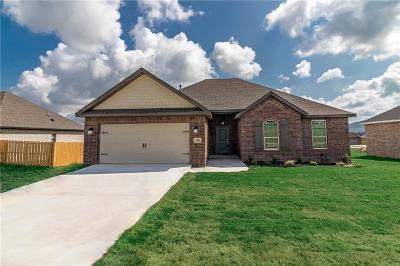 Prairie Grove Single Family Home For Sale: 550 Captain Stockton ST