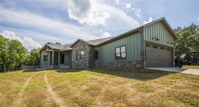 Benton County, Crawford County, Washington County Single Family Home For Sale: 23125 Honey Creek RD