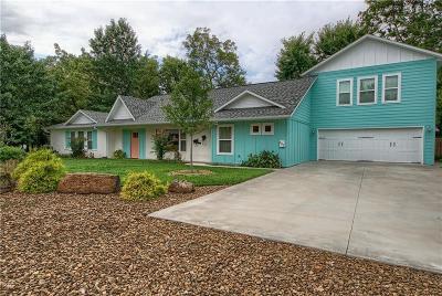 Bentonville Single Family Home For Sale: 402 Dickson