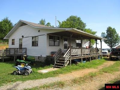 Single Family Home For Sale: 7038 Hwy 235 South