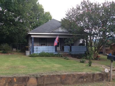 Logan County Single Family Home For Sale: 519 S 10th Street