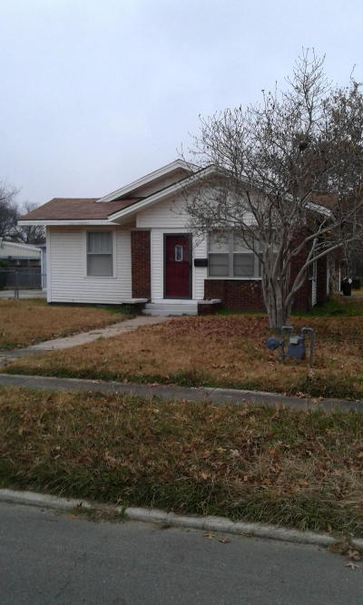 Logan County Single Family Home For Sale: 614 N 5th Street