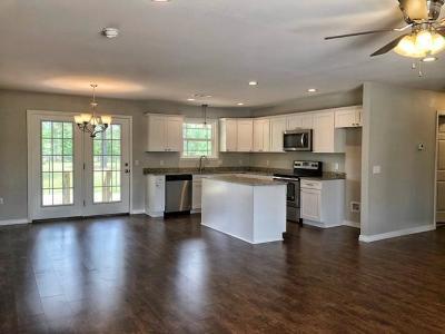Pottsville Single Family Home For Sale: 4 Fox Creek Court