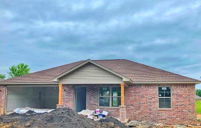 Pottsville Single Family Home For Sale: 2 Fox Creek Court